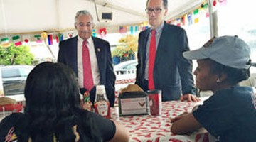 U.S. Labor secretary visits Buz and Ned's